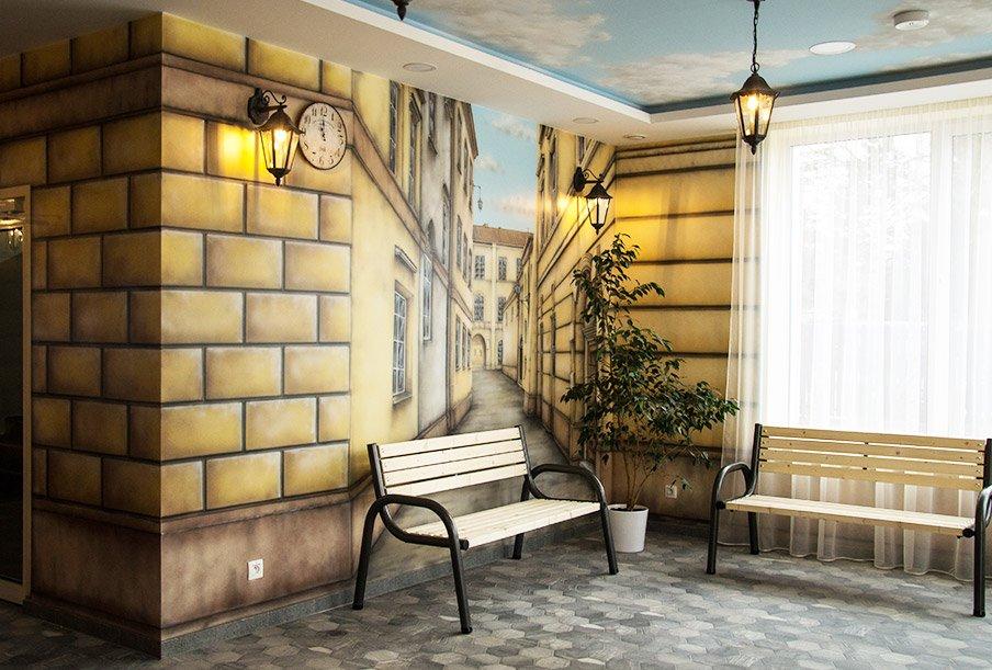Ręcznie malowane przez artystę ściany w naszym domu seniorów Warszawa / Laski